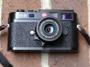 Sylvester-Stallone-Leica-M9-on-eBay-550x412